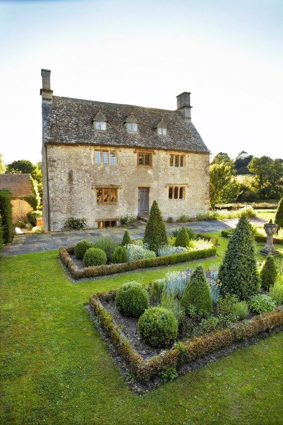 17thcentury Manor House, Oxfordshire, England, property