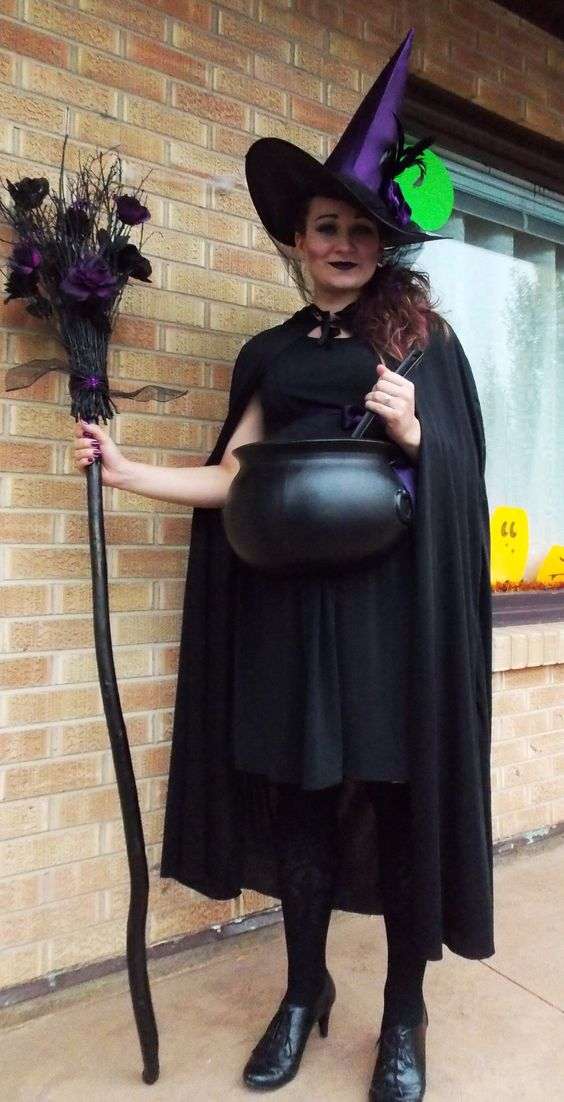 Halloween Pregnancy Costume #12: A Witch and Her Cauldron