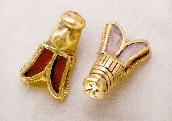 Golden bees from the tomb of King Childeric