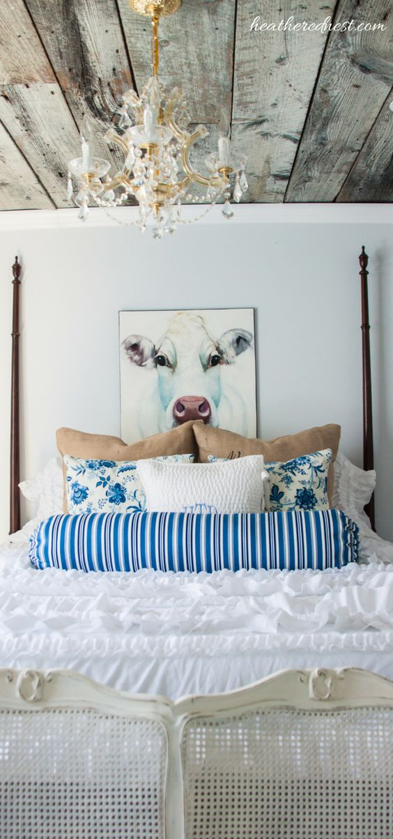 Bolster Pillows! Such and EASY, inexpensive DIY that can