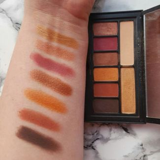 This eyeshadow palette from Smashbox in Ablaze is amazing!