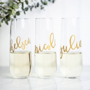 Our stemless wine glasses are perfect bridesmaid gifts! These are also lovely for bridal showers, bachelorette parties, or rehearsal dinners. Wonderful gifts for anyone! Printed in metallic gold, silv: