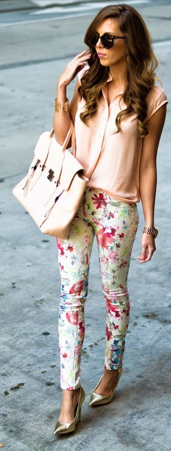 Spring Denim Top Street Style Looks Floral Pants Neutral Blouse Inspirational Outfit.:
