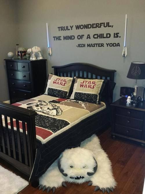 euphoricnerd:  booseecat:  If I ever have a boy, this will be his room.  If I ever has a child and they develop a liking for Star Wars, their room will be like this.: