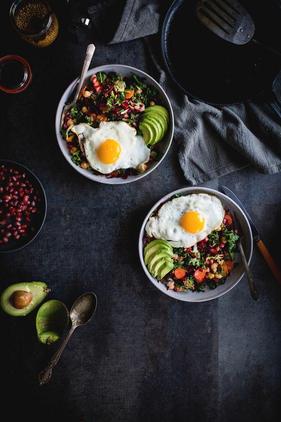 Insalata veggie con avocado e miso