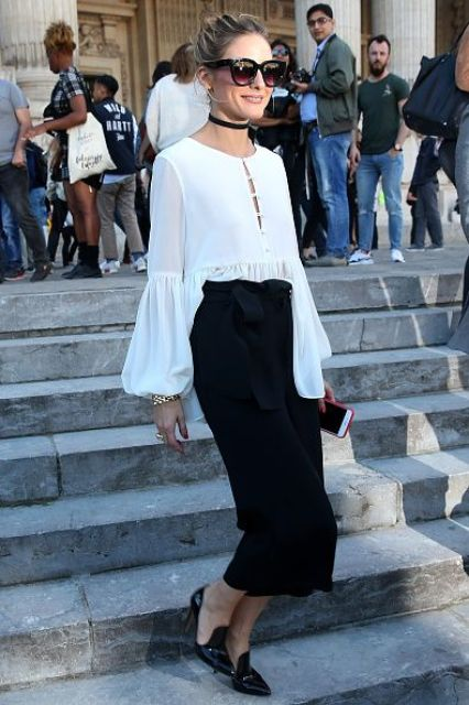 Olivia Palermo arrives at the Barbara Bui show as part of the Paris Fashion Week Womenswear Spring/Summer 2017 on September 29 2016 in Paris France: