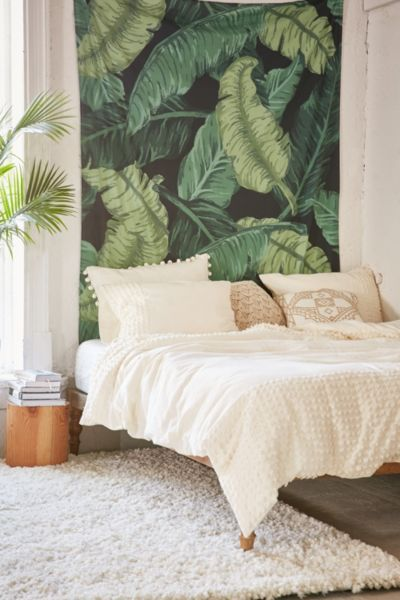 Assembly Home Banana Leaf Tapestry - Urban Outfitters Me gusta el cabecero, muy tropical: