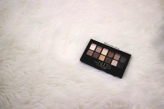 The 12 Pans Eyeshadow By Maybelline