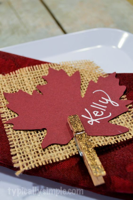 Thanksgiving Place Cards {Burlap}: