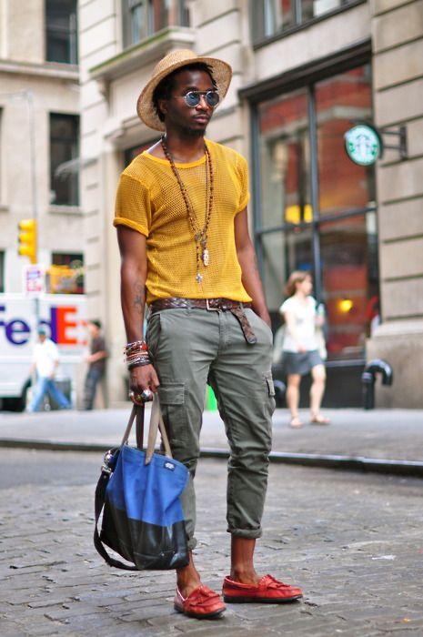 タイトなアンクルパンツに黄色メッシュTシャツがハードでcool