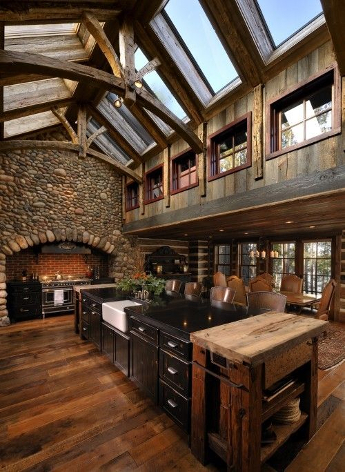 Can you imagine cooking in this kitchen? I can.......over the top amazing!: