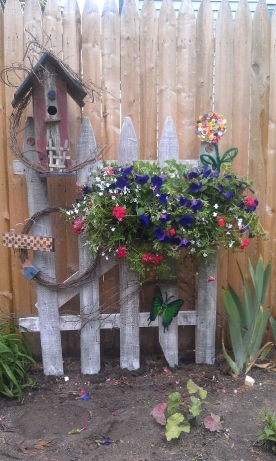 Steccati rustici ed originali 12 idee fai da te guida for Giardino rustico traliccio decorativo
