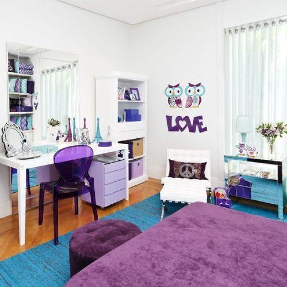 esse quarto possui móveis soltos sem marcenaria planejada e nem por isso perdeu a beleza...ficou lindo: