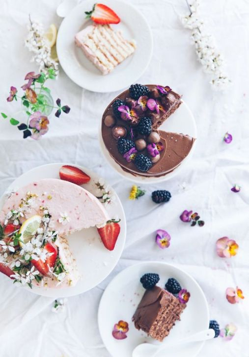 Call me cupcake: Rhubarb+strawberry & chocolate+nutella vertical roll cakes: