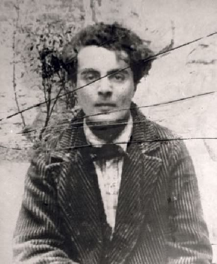 modigliani  Gigi Pinson   Gigi Pinson  сохранил(а) Пин на доску ART-Modigliani Amedeo 1884-1920 Italie Jeanne Hebuterne (with a scarf) - Amedeo Modigliani #modigliani #paintings #art 5 дн.: