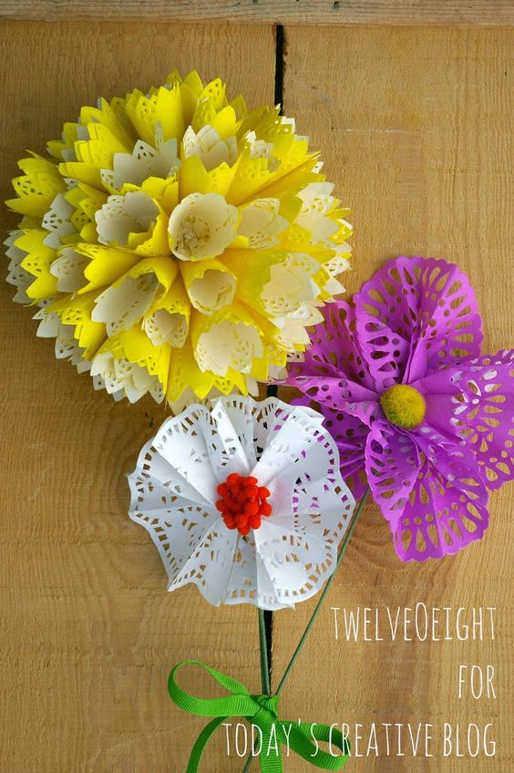 DIY Paper Doily Flowers | TodaysCreativeBlog.net: