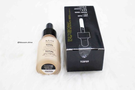 NYX Total Control Drop Foundation label the shades information at the bottom of the bottle packaging