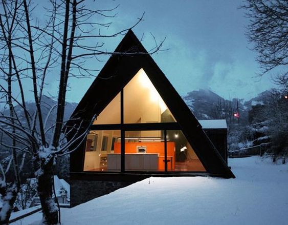 Contemporary-mountain-House-Design-Ideas-with-Extraordinary-and-Beautiful-View-in-Snowy-image, Pyrenees, Paris: