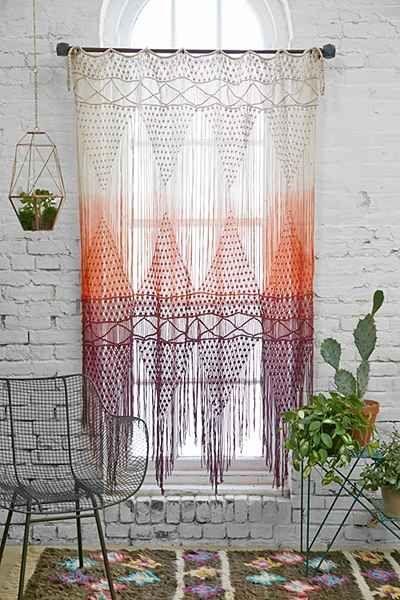Veja nossa seleção com 50 fotos de modelos de cortinas de crochê para inspirar na sua decoração.: