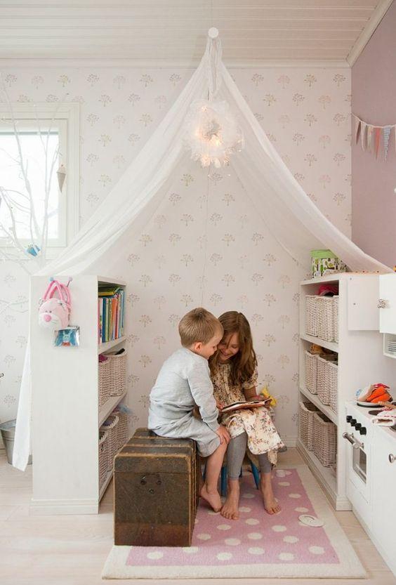 Nem sempre é fácil fazer as crianças gostarem de ler. Mas... E se tornarmos o espaço de leitura mais atractivo para elas? Será que ajuda? Deixo aqui umas ideias super giras de cantinhos de leitura.: