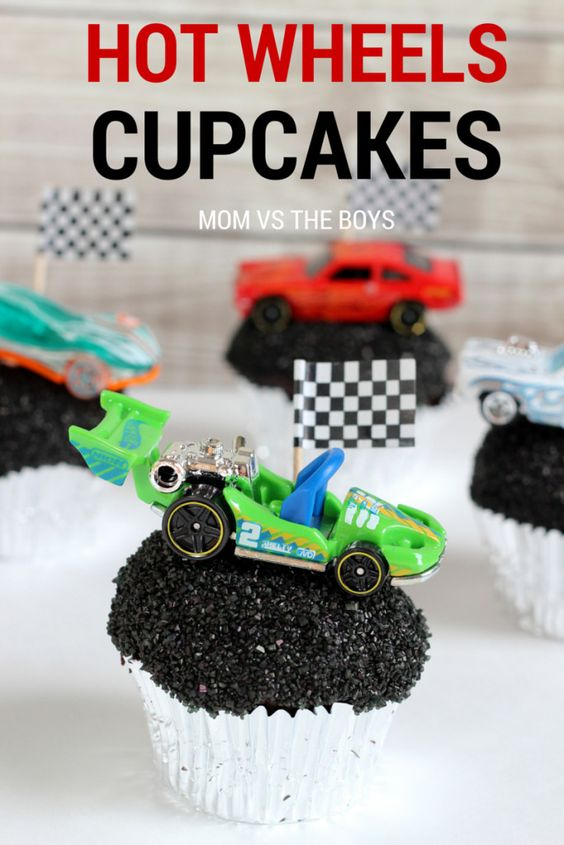 Hot Wheels birthday party cupcakes: