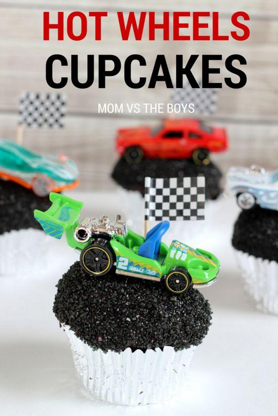 Hot Wheels birthday party cupcakes: