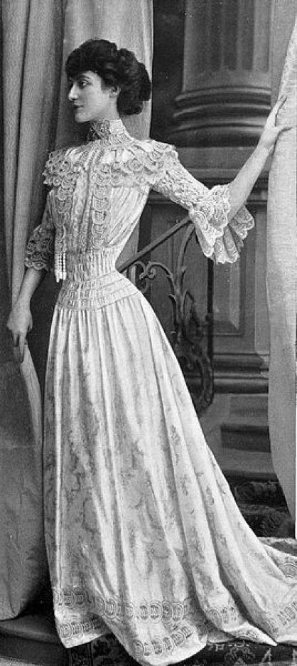 Robe de petits dîners par Redfern,1902: