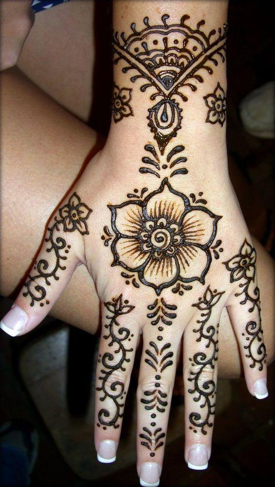 hand Henna Mehndi: