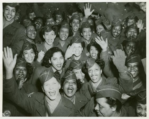 7f8028b36aba782f4b64f276c341fc42 20 Patriotic Pictures of Black Women in the Military