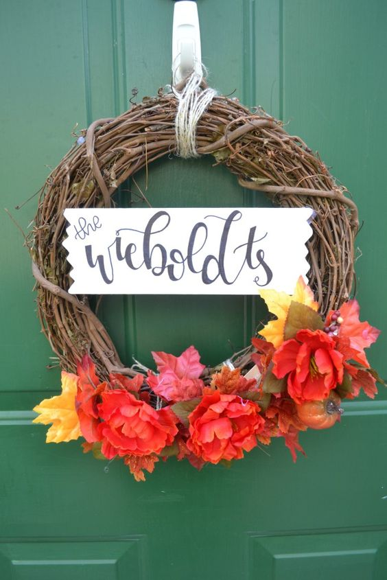 The Ultimate Pinterest Party, Week 121 Looking for a simple way to bring some seasonal festivity to your front door? Be sure to check out this interchangeable fall wreath!: