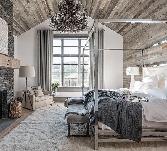 Bedroom with reclaimed wood ceiling and reclaimed wood accent wall reclaimed-wood-ceiling-bedroom-with-reclaimed-wood-on-ceiling-and-accent-wall Locati Architects.: