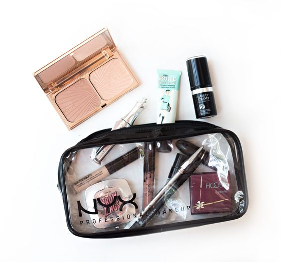 Whata��s In My Travel Makeup Bag?