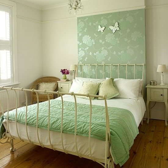Cream Bedroom With Green Wallpaper Panel Decorating Housetohome Co Uk Ideas Traditional Master