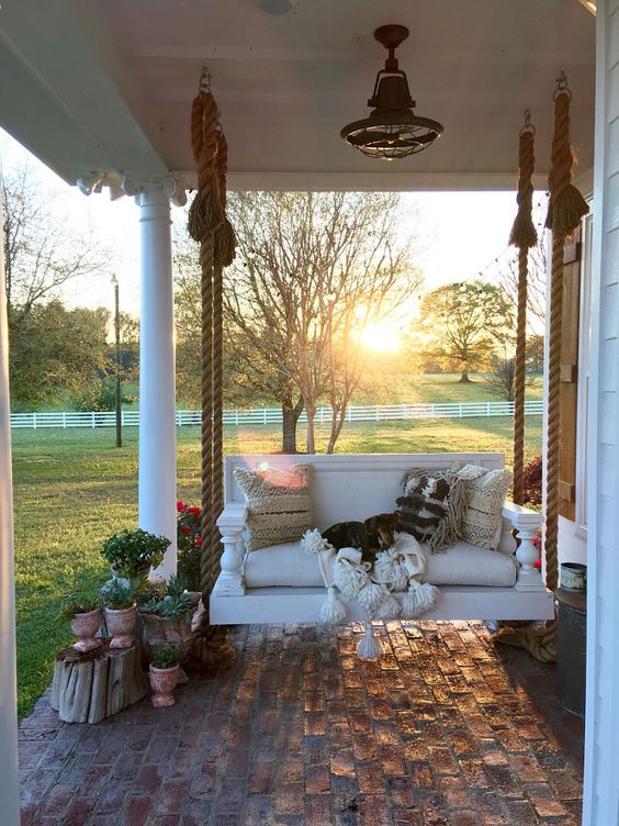 9529f396413484acab52278c853672cd 5 Stylish Elements for Southern Front Porch