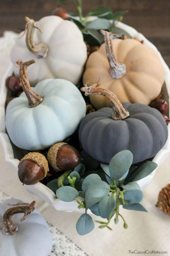 Vintage Inspired Chalky Paint Pumpkins: