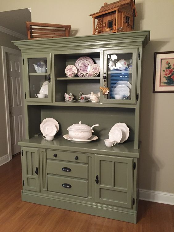 Hutch Makeover From Golden Oak To Annie Sloan Chateau