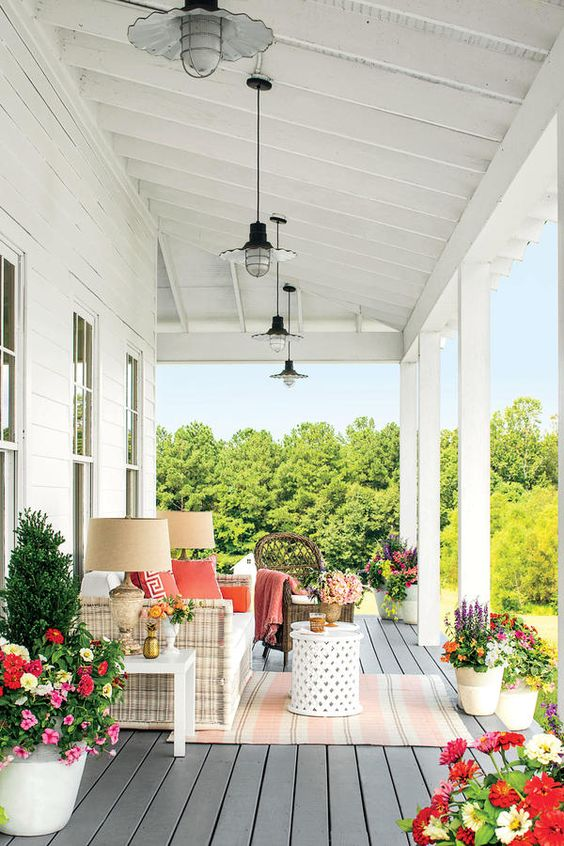 Front Porch Styles | 5 Stylish Elements for Southern Front Porch ...