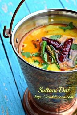 Country Mouse City Spouse Monday Mish Mash #25 Feature:  Sultani Dal @ Cookilicious