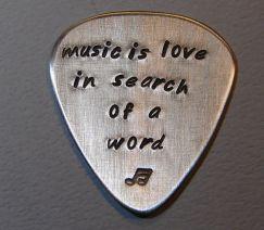 guitar pick: