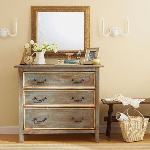 A pátina é um acabamento muito usado em móveis e a pátina lavada tem uma leveza que agrada bastante. Aprenda e faça.:
