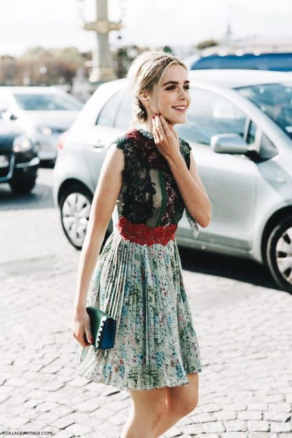 Kiernan Shipka in Valentino - Paris Fashion Week Spring-Summer 2016 #PFW #StreetStyle: