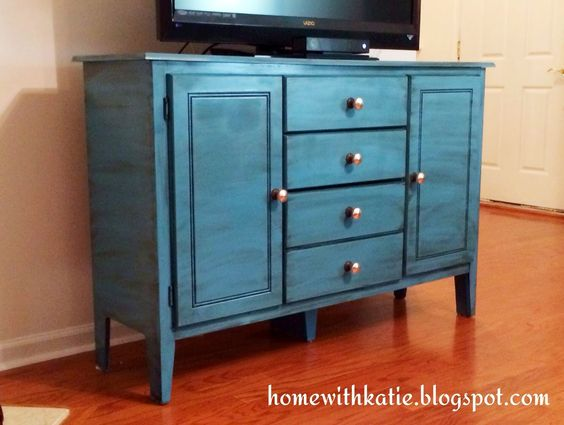 Used Bedroom Furniture Craigslist How To Sell Unwanted Furniture The New York Times Henry Bedroom Collection Reviews Picture Ideas With Childrens Paint Colors Antique Glaze And Antiques On Pinterest Craigslist Furniture Houston