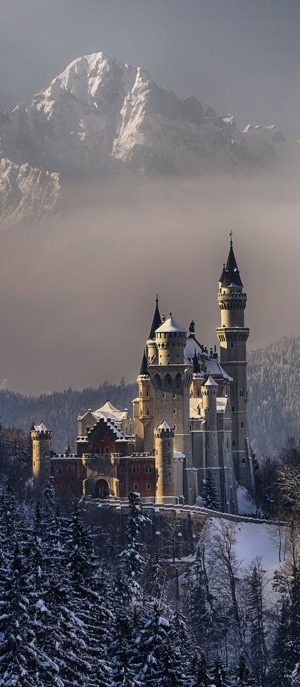 Neuschwanstein Castle, Bavaria, Germany | by Achim Thomae on Flickr: