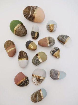 steine mit goldgürtel
