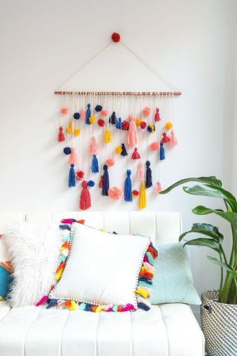 How to Make This Ridiculously Adorable Pom-Pom Tassel Wall Hanging: