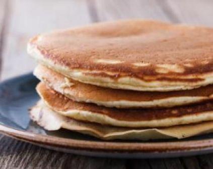 Pancakes Croq'Kilos aux flocons d'avoine pour pause coupe-faim : http://www.fourchette-et-bikini.fr/recettes/recettes-minceur/pancakes-croqkilos-aux-flocons-davoine-pour-pause-coupe-faim.html:
