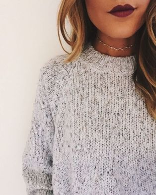 this choker necklace outfit is so cute for fall!