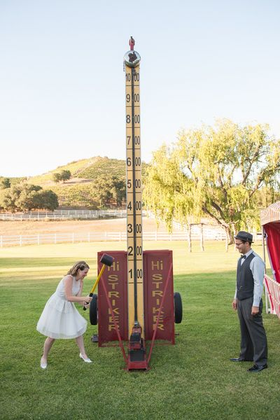 Offer carnival games instead of lawn games during your wedding cocktail hour - so fun! {The Big Affair}: