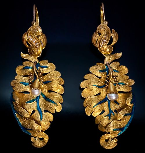 Victorian Era Antique Gold Leaf Earrings naturalistic and detailed made in St Petersburg, Russia ca. 1870 by Simon Antonen.: