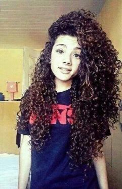 Long cheveux bouclés - Long curly hair: